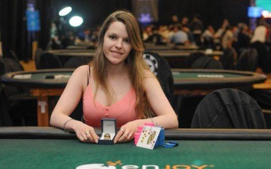 9th highest earning female poker player: Maria Constanza Lamprópulos
